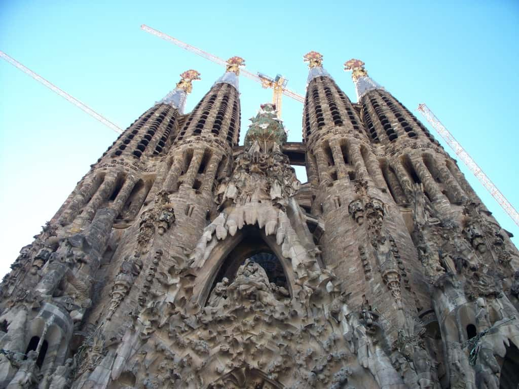 כנסיית המשפחה הקדושה (סגרדה פמיליה) של גאודי בברצלונה