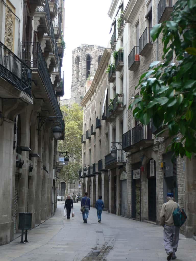 רחוב בעיר העתיקה ברצלונה