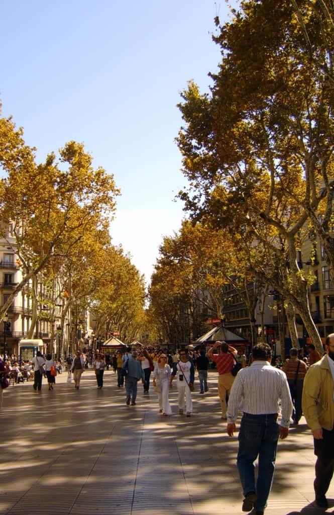 שדרת לה רמבלה. חובה בכל טיול בברצלונה