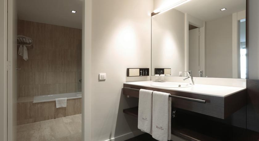 מלון רגינה - חדר אמבטיה