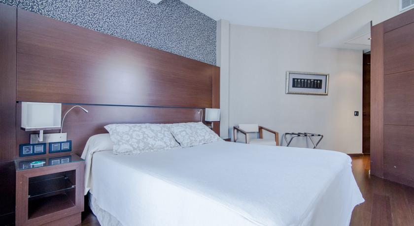 מלון קולוניאל - חדר