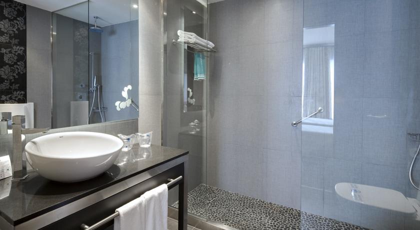 מלון קולוניאל - חדר רחצה