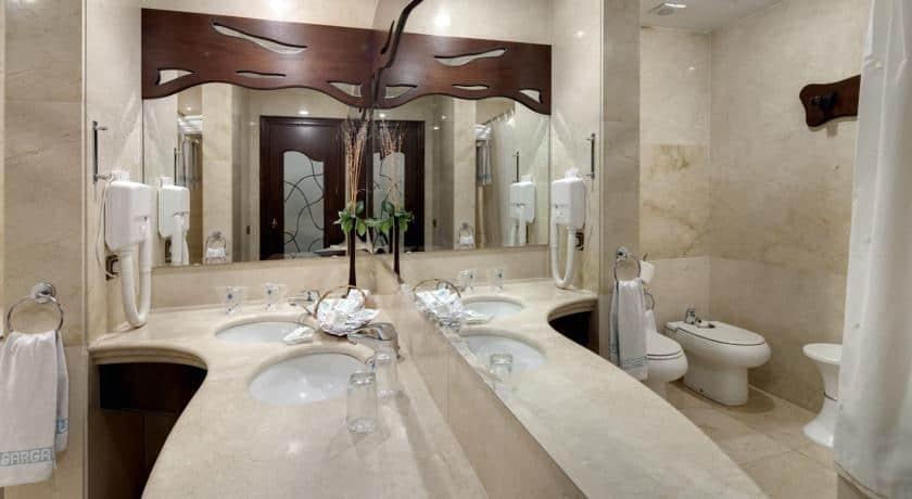 מלון ריאלטו - חדר רחצה